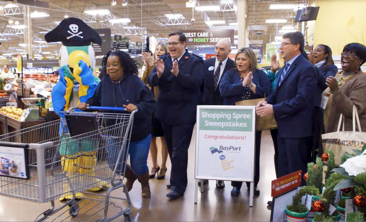 Kroger shopping spree winner gets ready to shop